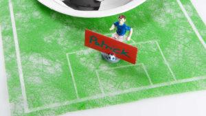 Fussball-Party Deko mit Tischlaufer -