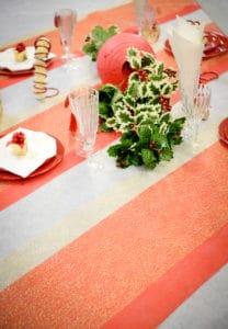 Tischdeko mit BUDGET Deko Vliestischläufer -